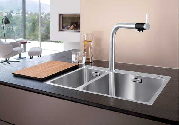 Example of a flush frame sink