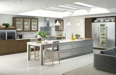 Image of a mix of contemporary and traditional style kitchen