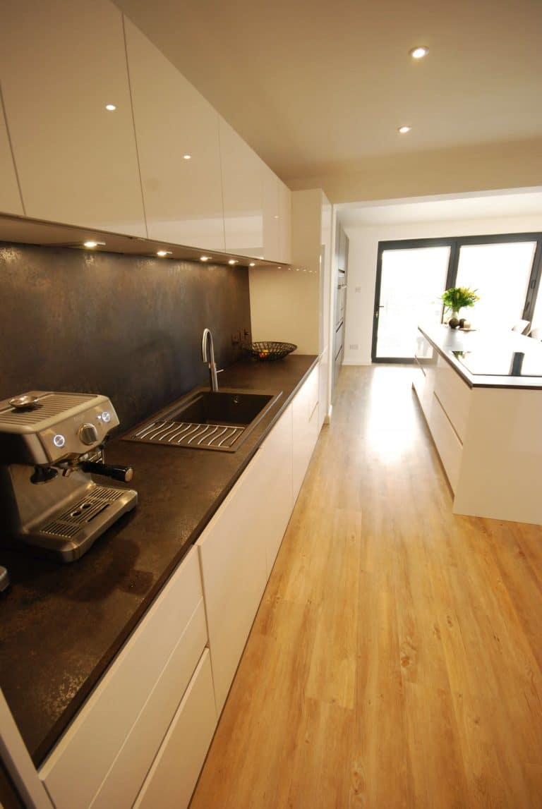 Image of a kitchen extension in Guildford