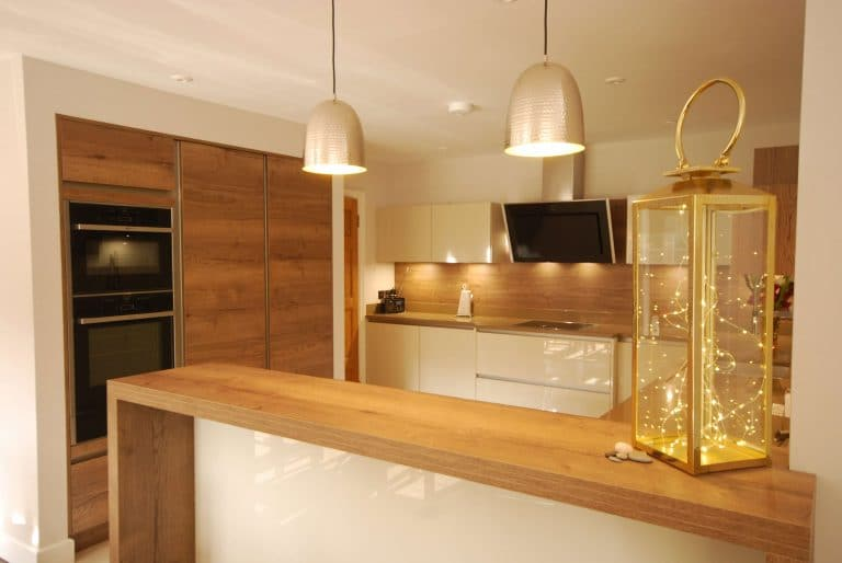 Photo showing the similarity of the design to the installed kitchen