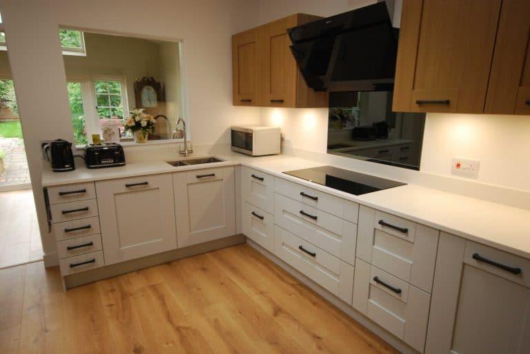 blackbourne-kitchen-in-merrow6_optimized